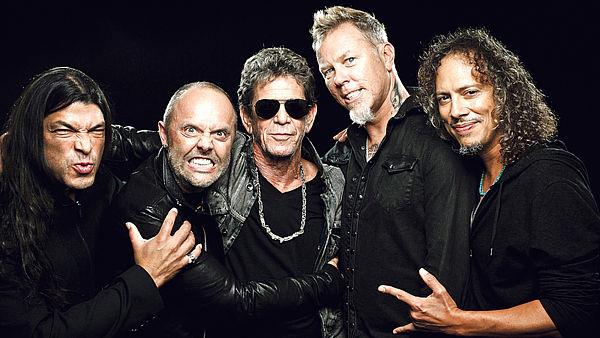 I Metallica hanno fatto i volontari nei banche alimentari Americani