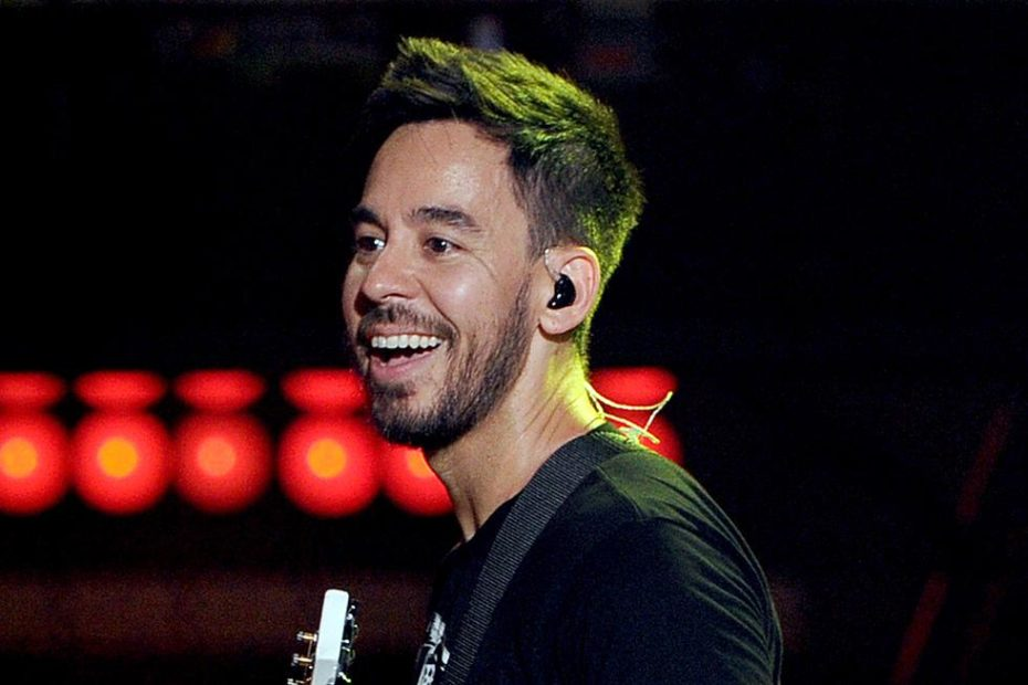 Mike Shinoda ha pubblicato Running from my Shadow